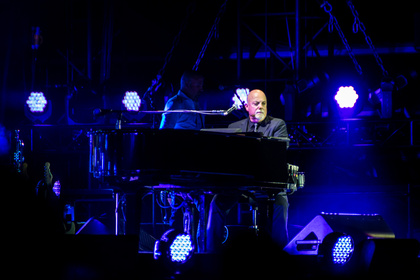 Gigantisch - Billy Joel: Bilder des Superstars aus der Commerzbank-Arena in Frankfurt